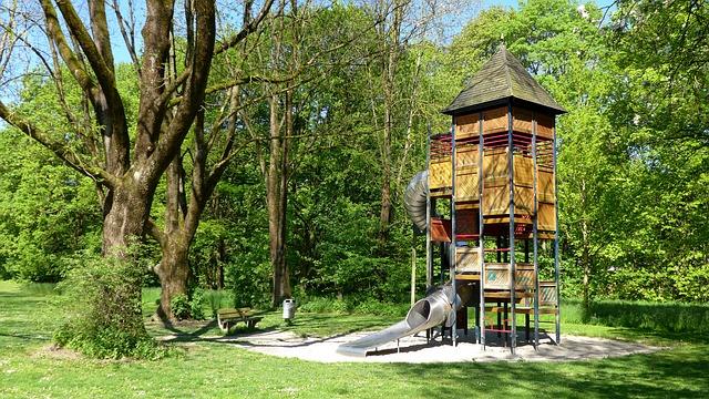 playground-1383133_640